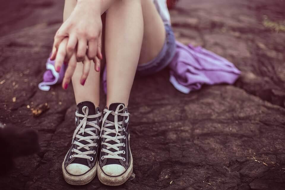 O脚の原因を簡単に治す方法!歩き方を改善して矯正しよう!