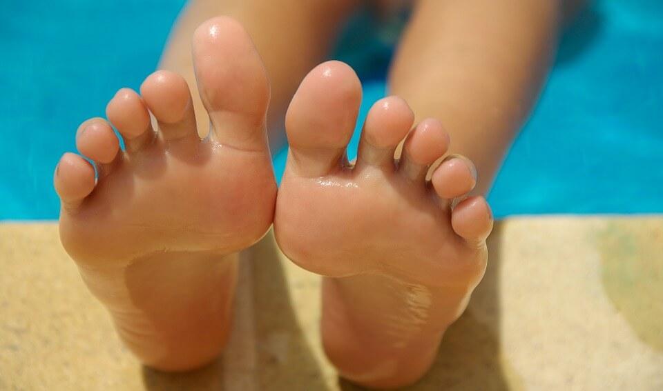 足の臭いを取る消臭方法!嫌な臭いが取れない原因とは?