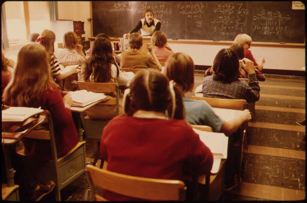 中学や高校で先生を好きになる心理!恋を実らせる方法とは?